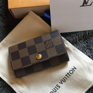 Louis Vuitton multicles 6 key holder in DE NWT